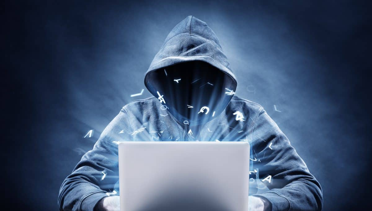 picture of a computer hacker